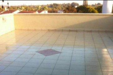 איטום גגות מרוצפים – המדריך המלא